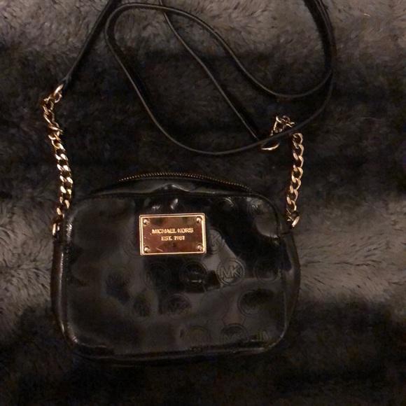 1f5719752a64 Black Patent Leather Michael Kors Crossbody Purse.  M 5bda6f688ad2f95562d87647